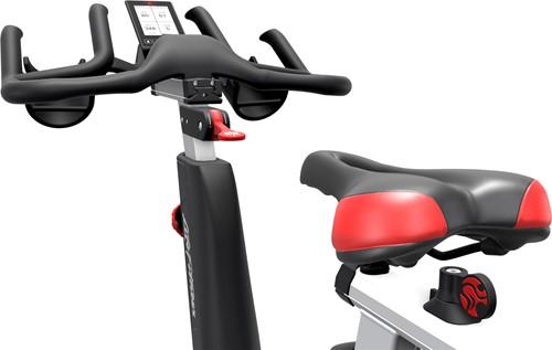Life Fitness ICG IC5 achter aanzicht zadel stuur